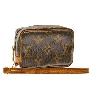 Louis Vuitton Wapity Pouch